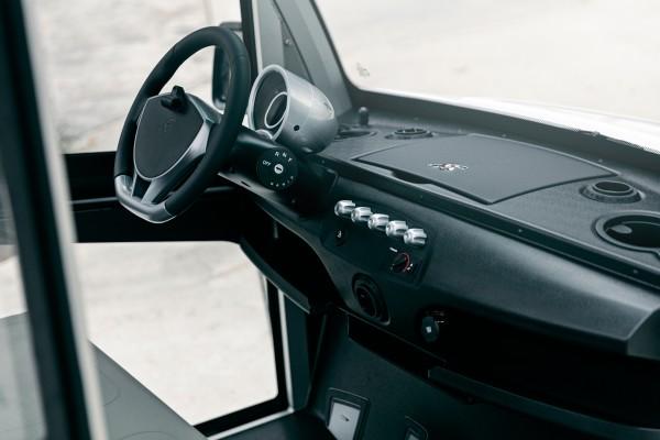 Garia Detail 1 Cockpit