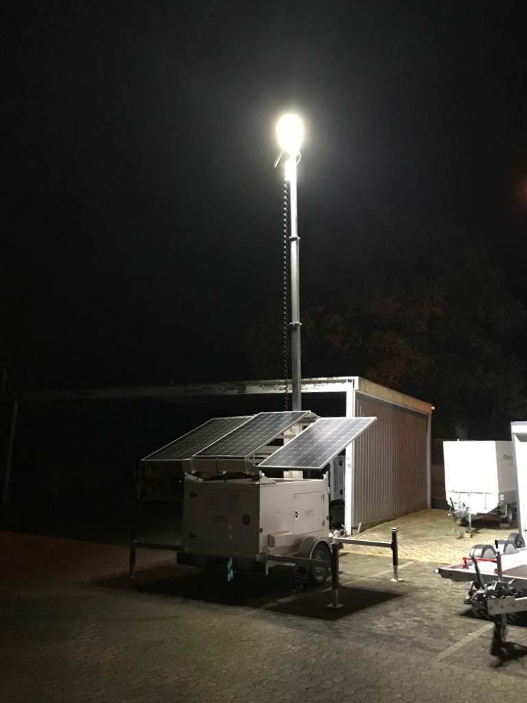 Mobile und autarke Licht-Lösung mit Solarenergie - der Power Tower Light im Praxistest